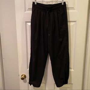 Athleta parachute style pants